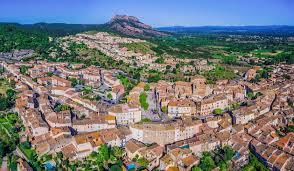 Roquebrune place